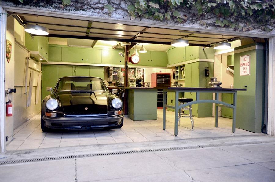 dream porsche garage philip raby. Black Bedroom Furniture Sets. Home Design Ideas