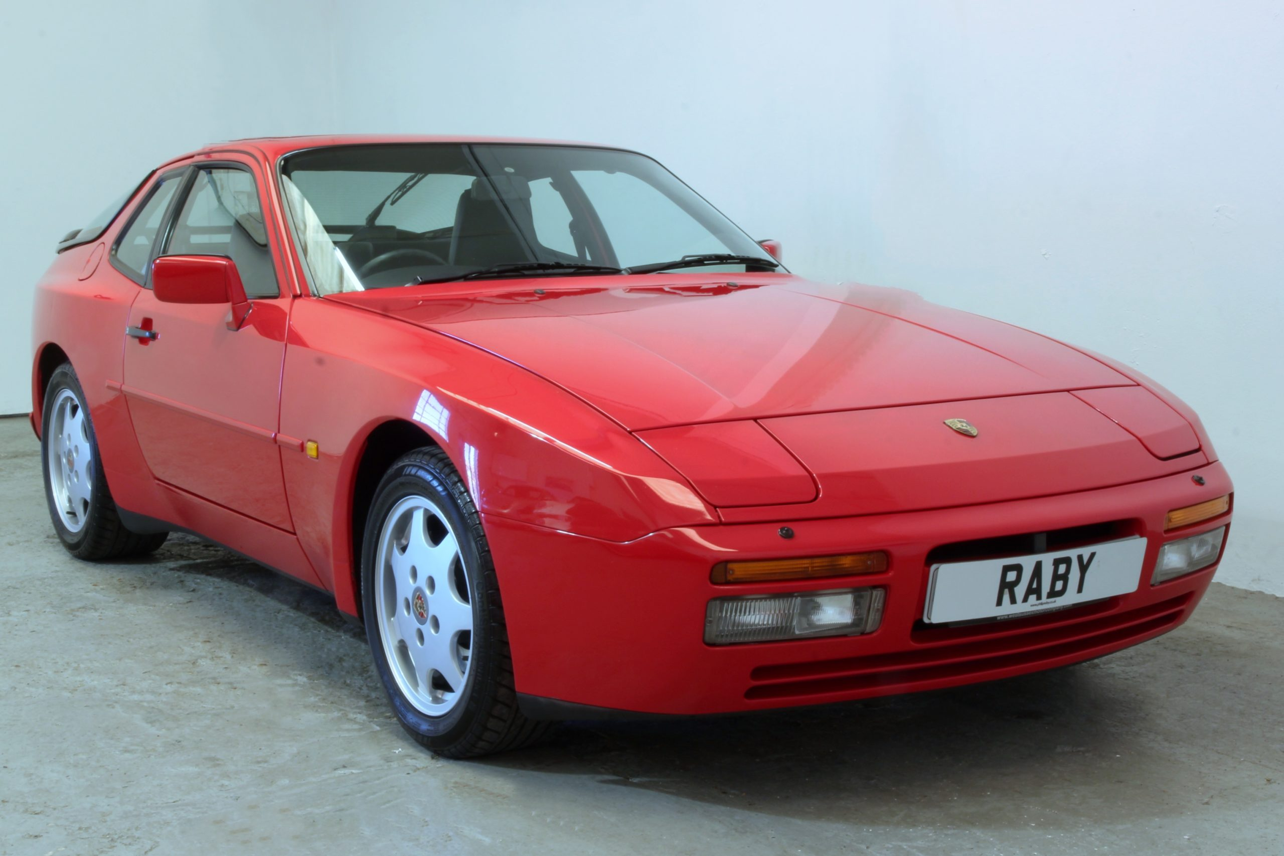 Read more about the article The Porsche 944's time has come