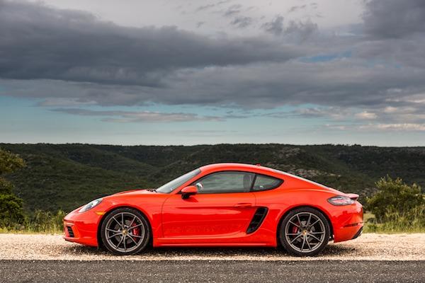 Porsches win What Car? awards
