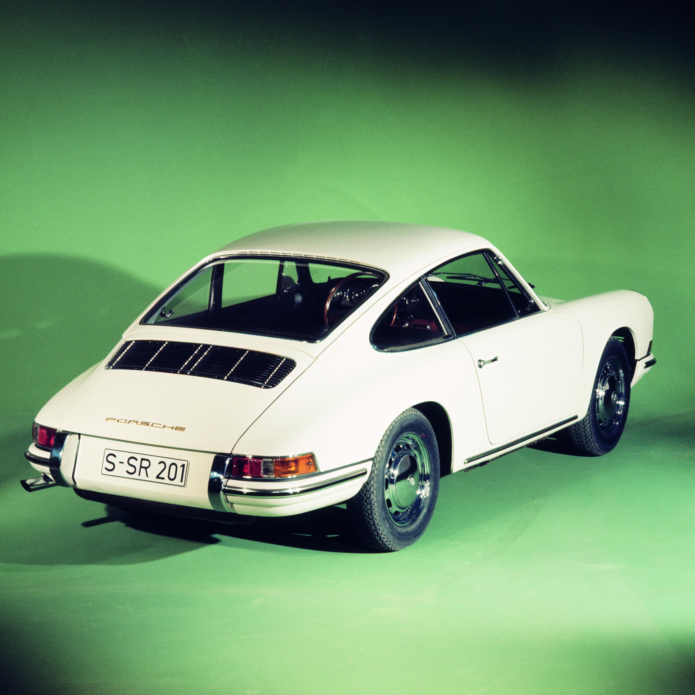 Driving an early Porsche 911