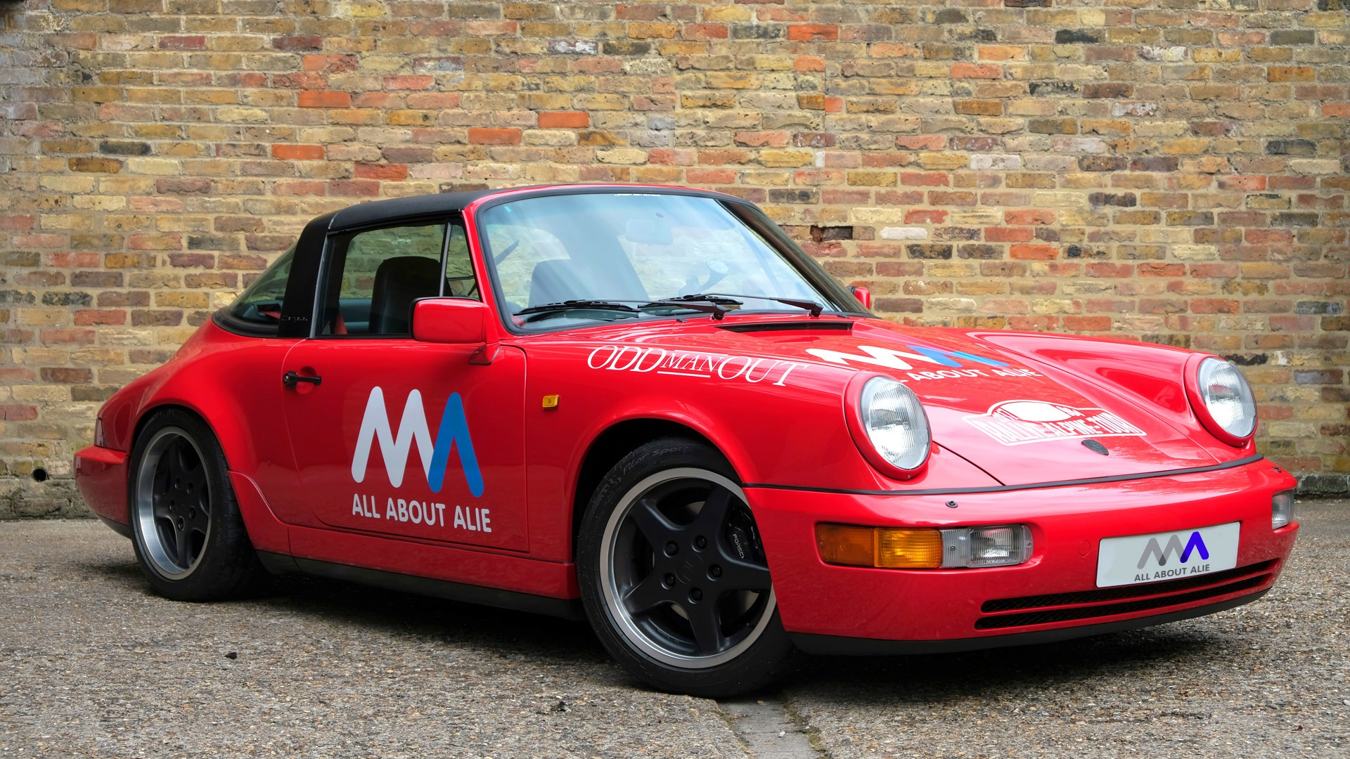 Charity fundraising in a Porsche 964 Targa